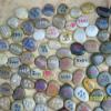 天然鹅卵石雨花石刻字石企业名片刻字小工艺品雕刻石爱情石刻字